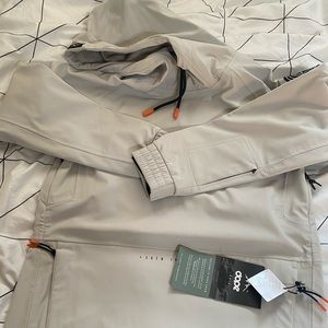 Snow jacket brand new with tags in Light Grey colour and extra small size